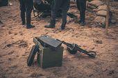 Ammunition box and machine gun