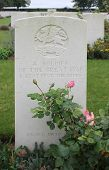 Grave unknown WW1 soldier East Kent Regiment, France