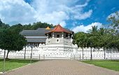 Постер, плакат: Temple Of The Sacred Tooth Relic