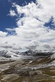 tibet: milha mountain pass