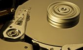 Hard Disk Drive With Moving Head And Spinning Platter  -aaa-
