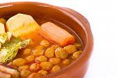Guiso de Madrid en cazuela, comida española