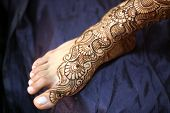 picture of mehendi  - A Indian bride - JPG