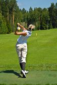 LADY GOLFER SWING