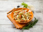 fusilli with smoked salmon and raw fennel