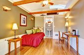 Detached Guest House Vacation Rental Cottage.