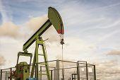 oil rig pumping