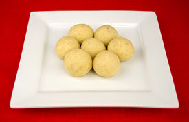 picture of laddu  - Ball shaped Indian laddu  - JPG