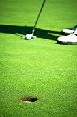Before the putt