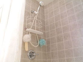 pic of ceramic tile  - In the bathroom - JPG