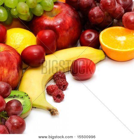 Постер, плакат: Свежие фрукты изолированные на белом фоне, холст на подрамнике