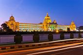 Vidhana Soudha o edifício legislativo do estado