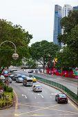 Escena de la calle en zona céntrica de Singapur