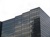 Dark Bürogebäude