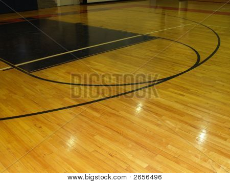 Picture or photo of a wood floor on an indoor basketball for Free inside basketball courts