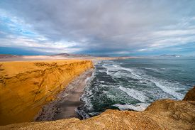 pic of nationalism  - Paracas National Reserve - JPG