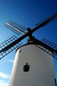 España, molinos de viento en Mota del Cuervo, los gigantes de la novela del Quijote