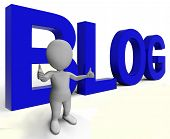 Blog Wort zeigt Blogger-Website und Blogging