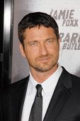 Gerard Butler at the Los Angeles Premiere of 'Law Abiding Citizen'. Grauman's Chinese Theatre, Holly