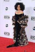 LOS ANGELES - NOV 23:  Diana Ross arrives to the 2014 American Music Awards on November 23, 2014 in Los Angeles, CA