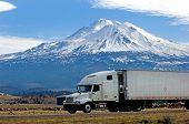 picture of 18 wheeler  - delivery across america - JPG