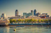 Skyline de la ciudad de Londres de Thames