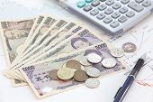 pic of japanese coin  - close up Japanese currency notes and japanese yen coin - JPG