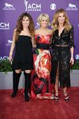 Shania Twain, Carrie Underwood and Faith Hill  at the 48th Annual Academy Of Country Music Awards Ar