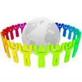 Pessoas de diferentes cores ao redor da terra