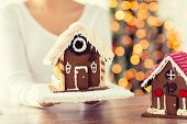 image of gingerbread house  - cooking - JPG