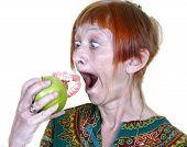 Mujer comer manzana dentadura postiza dentadura