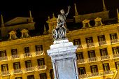 Statue Of A Hero At Night Decorated Christmas (santander, Spain)