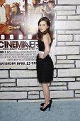 LOS ANGELES - 11 de APR: Kaitlyn Dever chegar na estréia da HBO Films 'Cinema Verité' a Par LA