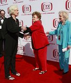 SANTA MONICA - JUNE 8:  Golden Girls Bea Arthur, Rue McClanahan and Betty White at the sixth annual