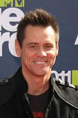 LOS ANGELES - JUN 5: Jim Carrey in der die 2011 MTV Movie Awards am Gibson Amphitheater auf