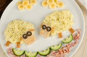 picture of mashed potatoes  - Kid meal with mashed potatoes decorated as a flock of sheep - JPG