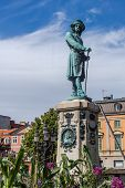 picture of reign  - Monument to Charles XI of Sweden  - JPG