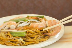 image of lo mein  - Authentic Chinese Shrimp lo mein noodles at a restaurant - JPG