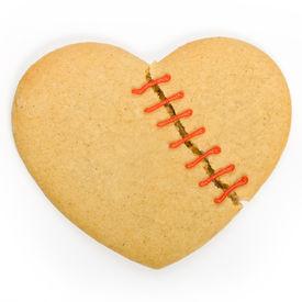 picture of broken-heart  - Gingerbread cookie in the shape of a broken heart - JPG