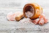 picture of pestle  - Mortar pestle and himalayan pink salt - JPG