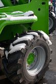 Tractor, Detail