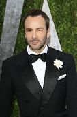 WEST HOLLYWOOD, CA - 24 de fevereiro: Tom Ford no Vanity Fair Oscar Party no Sunset Tower em 24 de fevereiro,