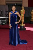 LOS ANGELES - FEB 24:  Robin Roberts arrives at the 85th Academy Awards presenting the Oscars at the