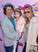 LOS ANGELES - NOV 09:  Lou Diamond Phillips, Yvonne & Indigo Yvonne arrives to the