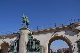 picture of leopold  - Leopold II statue  - JPG