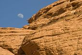 Nascer da lua sobre Red Rock Canyon