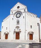On if the ancient churches in Bari, Italy
