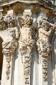 picture of pilaster  - Close - JPG