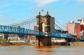 Ponte de suspensão de Roebling histórico, Cincinnati Ohio, EUA