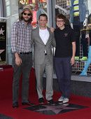 LOS ANGELES - SEP 18:  Ashton Kutcher,  Jon Cryer & Angus Jones arrives to the Walk of Fame - JON CR